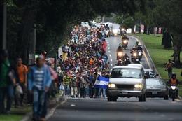 'Caravan nhập cư' áp sát biên giới Mỹ: 'Viên đạn bạc' của Tổng thống Trump?