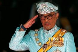 Tân vương Malaysia đăng quang
