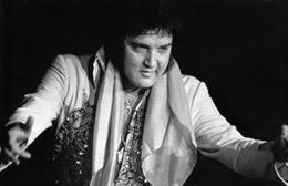 Sự thật về cái chết bi thảm của ông vua Rock&Roll Elvis Presley