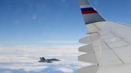Chiến đấu cơ Thuỵ Sĩ 'tiễn chân' máy bay Nga dự Thượng đỉnh Putin-Macron
