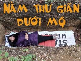 Trường đại học cho sinh viên thư giãn... dưới nấm mộ