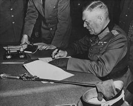 Vì sao Đức hai lần đầu hàng sau khi bại trận trong Thế chiến 2