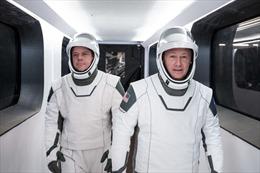 Phi hành gia NASA trước chuyến bay lịch sử vào vũ trụ với tàu SpaceX