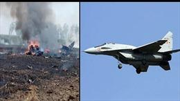 MiG-29 Ấn Độ rơi cháy nổ tan tành, phi công kịp thoát