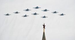 Không quân Nga diễn tập chuẩn bị cho Lễ kỷ niệm 75 năm Ngày Chiến thắng phát xít