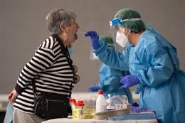 COVID-19 đến 6h sáng 17/8: Nga tiêm vaccine hàng loạt chậm hơn dự kiến, Canada cảnh báo sắp đỉnh dịch