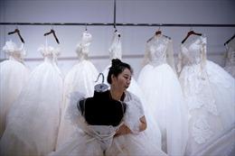 Thành phố váy cưới Trung Quốc ảm đạm mùa dịch