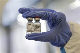 Lý giải những hợp đồng hàng tỉ USD mua trước vaccine COVID