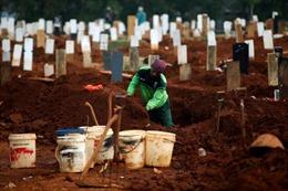 COVID-19 tại ASEAN hết 5/9: Toàn khối gần 12.000 người tử vong, thủ đô Indonesia quá tải chỗ chôn