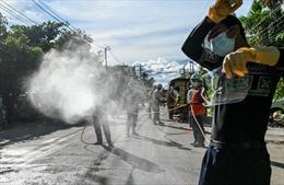 COVID-19 tại ASEAN hết 11/10: Toàn khối vượt 19.000 ca tử vong, Malaysia điều quân đội chống dịch