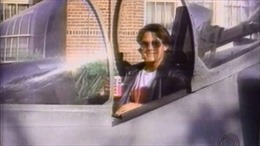 Quảng cáo 'đùa cợt' làm Pepsi suýt mất máy bay 30 triệu USD
