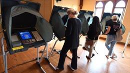 Bỏ phiếu trong lịch sử bầu cử Mỹ: Từ hét tên, phiếu đục lỗ đến màn hình cảm ứng