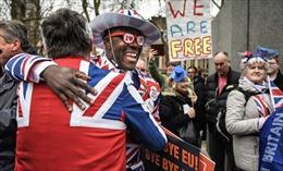 Nước Anh 'nhẹ nhàng' bắt đầu cuộc sống thời hậu Brexit