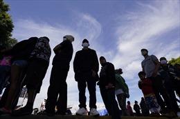 Phía sau cuộc khủng hoảng kéo 2 triệu người ùn tắc biên giới Mỹ