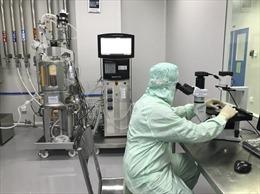 Khi công nghệ vaccine COVID-19 không dễ 'cho không'