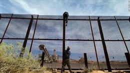 Đột nhập đường dây buôn người qua biên giới Mỹ - Mexico