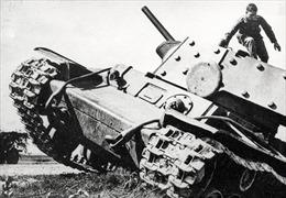Chiếc xe tăng anh hùng chặn đứng cả sư đoàn phát xít Đức