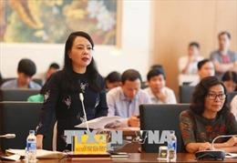Bộ trưởng Y tế giải trình về hiệu quả hoạt động của mạng lưới y tế cơ sở