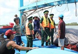Giải pháp kéo giảm tàu cá khai thác hải sản trái phép