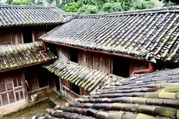 Thu hồi 'sổ đỏ' Tòa dinh thự họ Vươngcấp cho Phòng VHTT huyện Đồng Văn