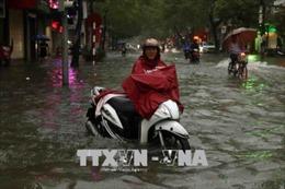 Hải Phòng ngập nhiều tuyến đường sau trận mưa to gần 3 tiếng