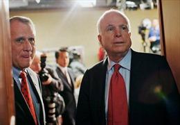 Cựu Thượng nghị sỹ Jon Kyl thay vị trí của ông John McCain tại Thượng viện Mỹ