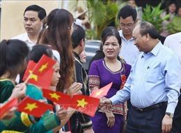 Thủ tướng Nguyễn Xuân Phúc đánh trống khai giảng năm học mới tại Kon Tum
