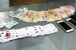 Tạm giữ Phó Bí thư Đảng ủy, Chủ tịch HĐND xã tham gia đánh bạc