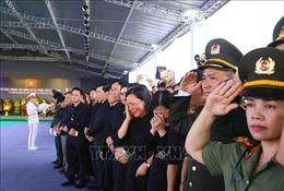Những giọt nước mắt tiếc thương trong giờ phút tiễn biệt Chủ tịch nước