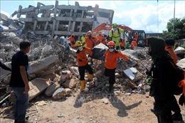 Số nạn nhân thiệt mạng do động đất, sóng thần tại Indonesia đã lên đến 1.407 người