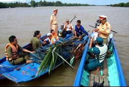 Cà Mau mở đợt cao điểm giải tỏa chướng ngại vật trên sông