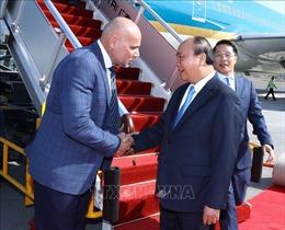 Thủ tướng Nguyễn Xuân Phúc đến Papua New Guinea, bắt đầu tham dự Hội nghị Cấp cao APEC 26