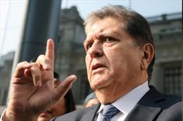 Cựu tổng thống Peru García bị cấm xuất cảnh 18 tháng để điều tra tham nhũng