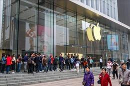 Apple 'đánh rơi vương miện' lần đầu tiên trong nhiều năm qua