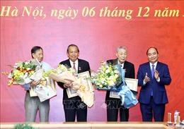 Đồng chí Đồng Sỹ Nguyên nhận Huy hiệu 80 năm tuổi Đảng