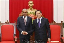 Thúc đẩy hợp tác xây dựng pháp luật Việt Nam - Singapore