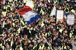 Hạ nhiệt dịp Giáng sinh tại Pháp, biểu tình 'Áo vàng' lan sang Anh và Bồ Đào Nha