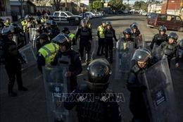 Mexico yêu cầu Mỹ điều tra vụ sử dụng hơi cay tại biên giới