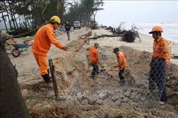 Xử lý sạt lở nghiêm trọng bờ biển Vinh Hải, Thừa Thiên - Huế