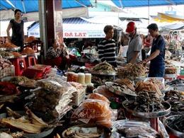 Nhiều mặt hàng khô rục rịch tăng giá dịp Tết