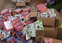 Thu giữ 2,1 tấn bánh kẹo Hàn Quốc nhập lậu