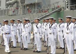 Máy bay Lực lượng tự vệ trên biển Nhật Bản thăm, giao lưu với Hải quân Việt Nam