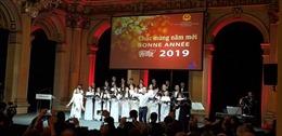 Cộng đồng người Việt Nam tại Pháp vui đón Tết Nguyên đán Kỷ Hợi