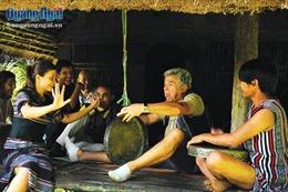 Những người góp phần lưu giữ văn hóa dân tộc thiểu số