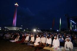 Indonesia: Hàng nghìn người Hồi giáo cầu nguyện cho cuộc bầu cử được an toàn