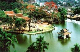 Khôi phục các giá trị đặc sắc di sản văn hóa phi vật thể lễ hội chùa Thầy - Hà Nội