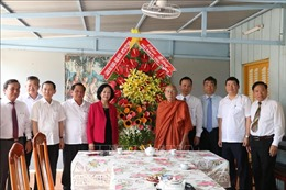 Trưởng ban Dân vận Trung ương thăm và chúc mừng lễ Phật đản tại Cần Thơ