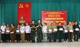 Đoàn công tác Tổng cục Chính trị thăm, tặng quà cựu bộ đội Trường Sơn