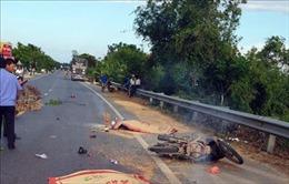 Xe tải tông xe máy chạy cùng chiều, 2 người tử vong tại chỗ