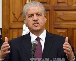 Algeria: Hai cựu thủ tướng và nhiều quan chức cấp cao bị triệu tập ra tòa